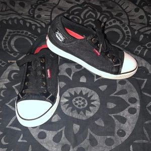 Levi Strauss & Co comfort low tops boys size 3